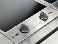 Nakloněný ovládací panel